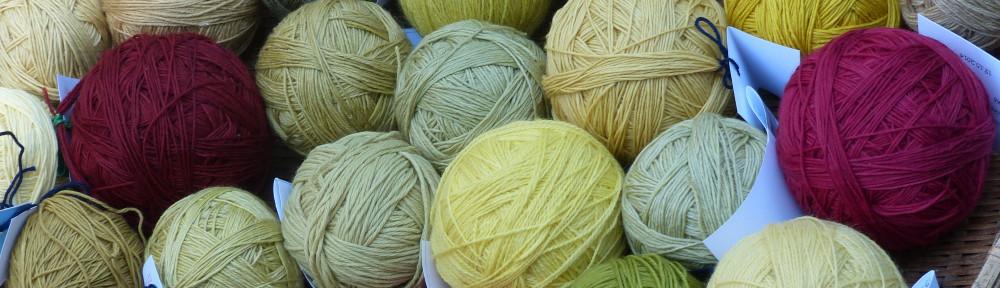 Wolle mit Pflanzenfarben